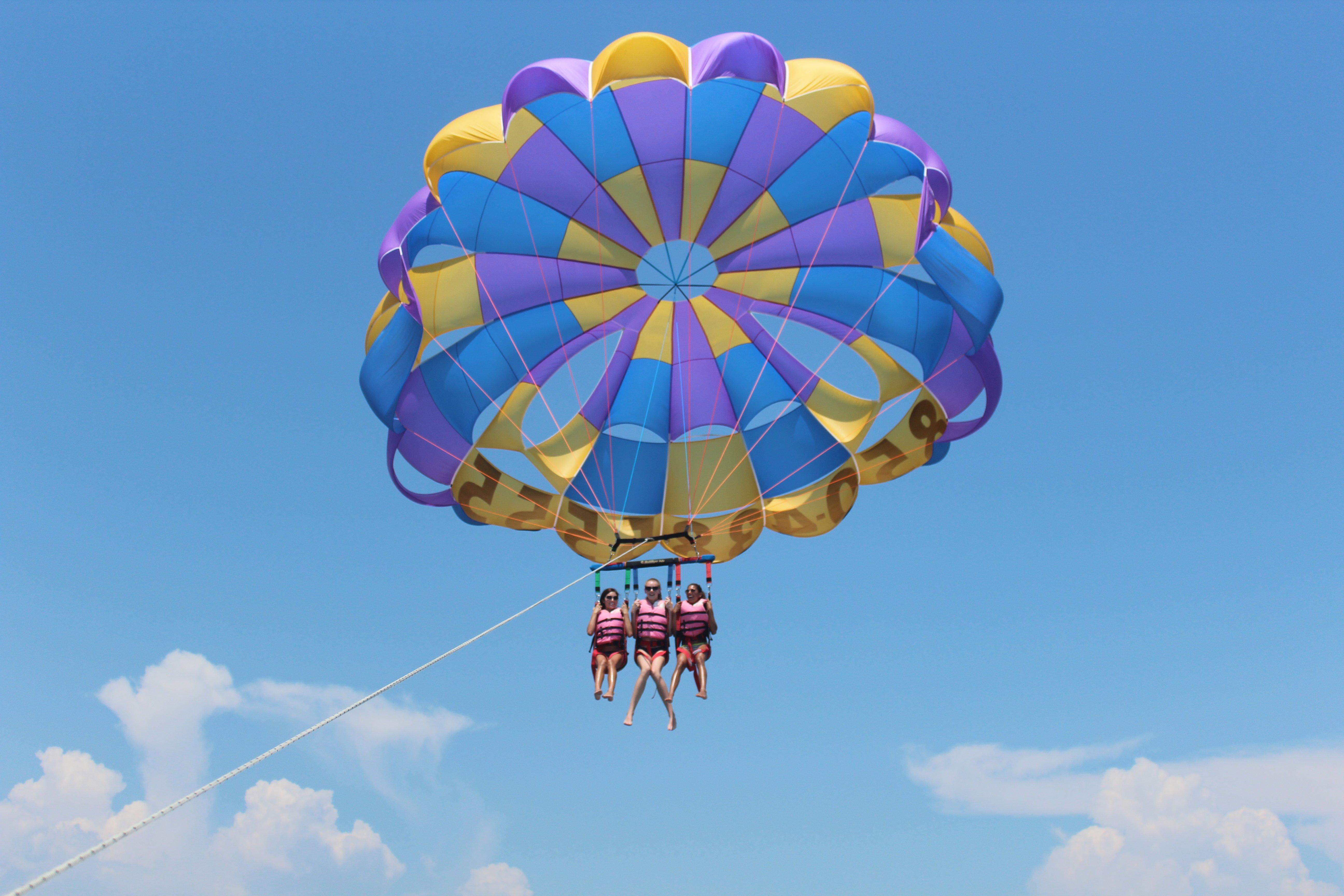 triple parasail