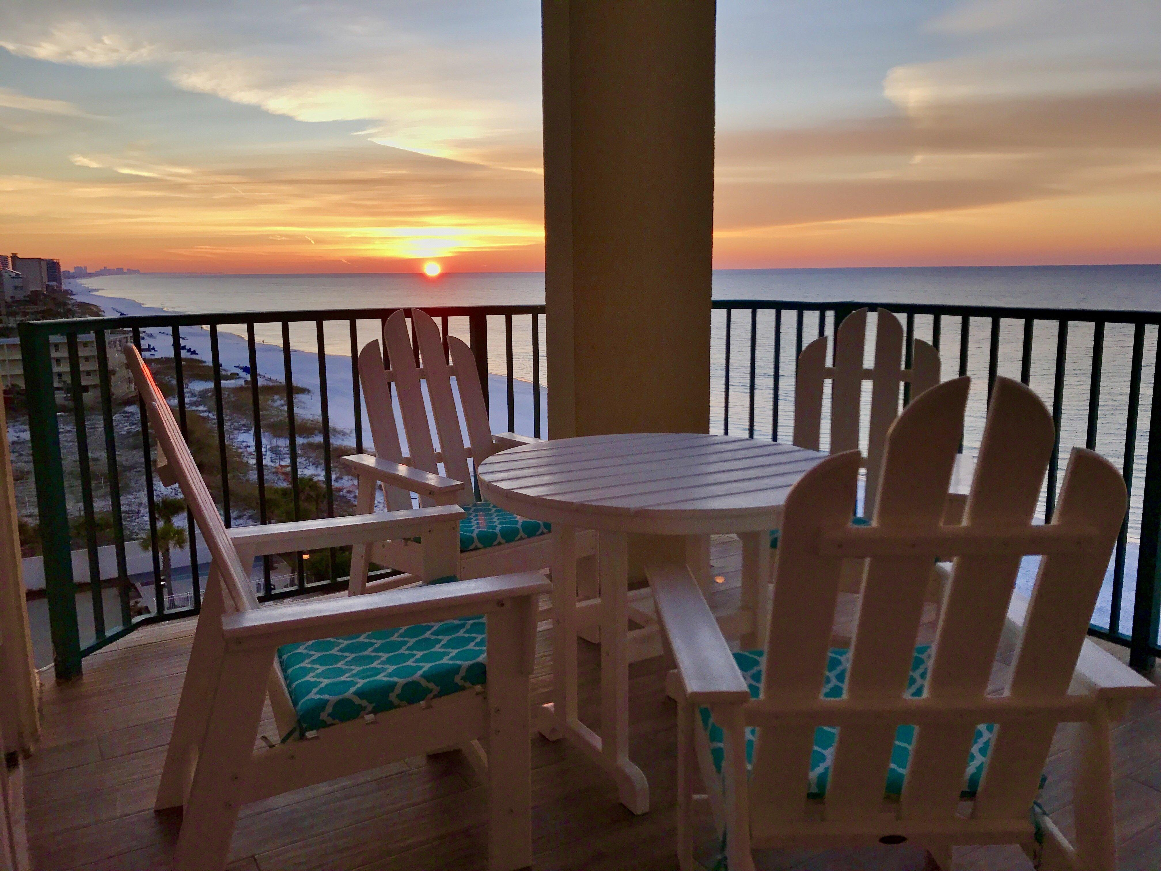 balcony sunrise at sandnsol destin oceanfront jade east