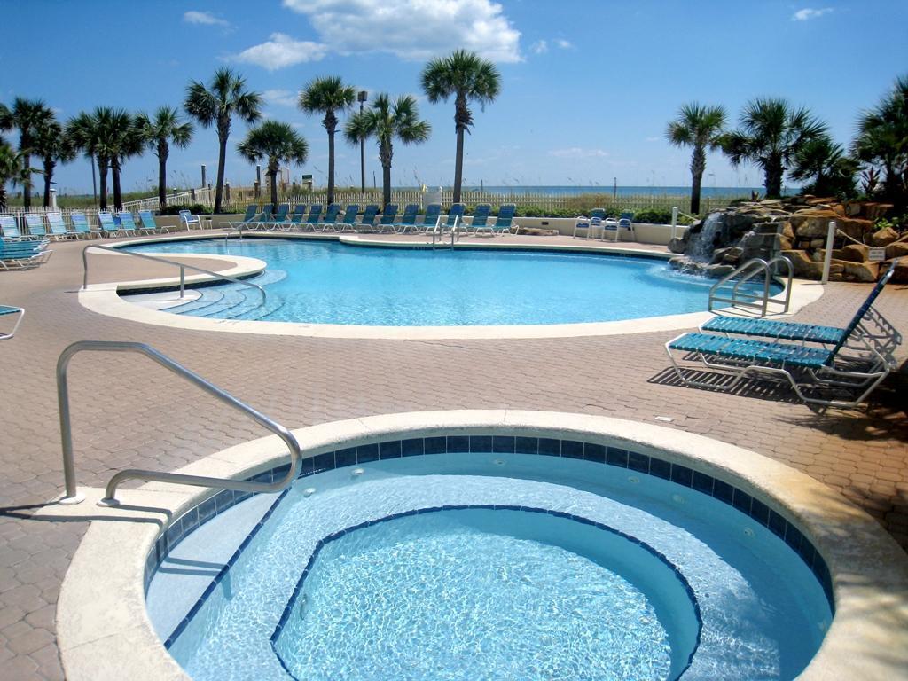 spa and pool at sandnsol destin jade east