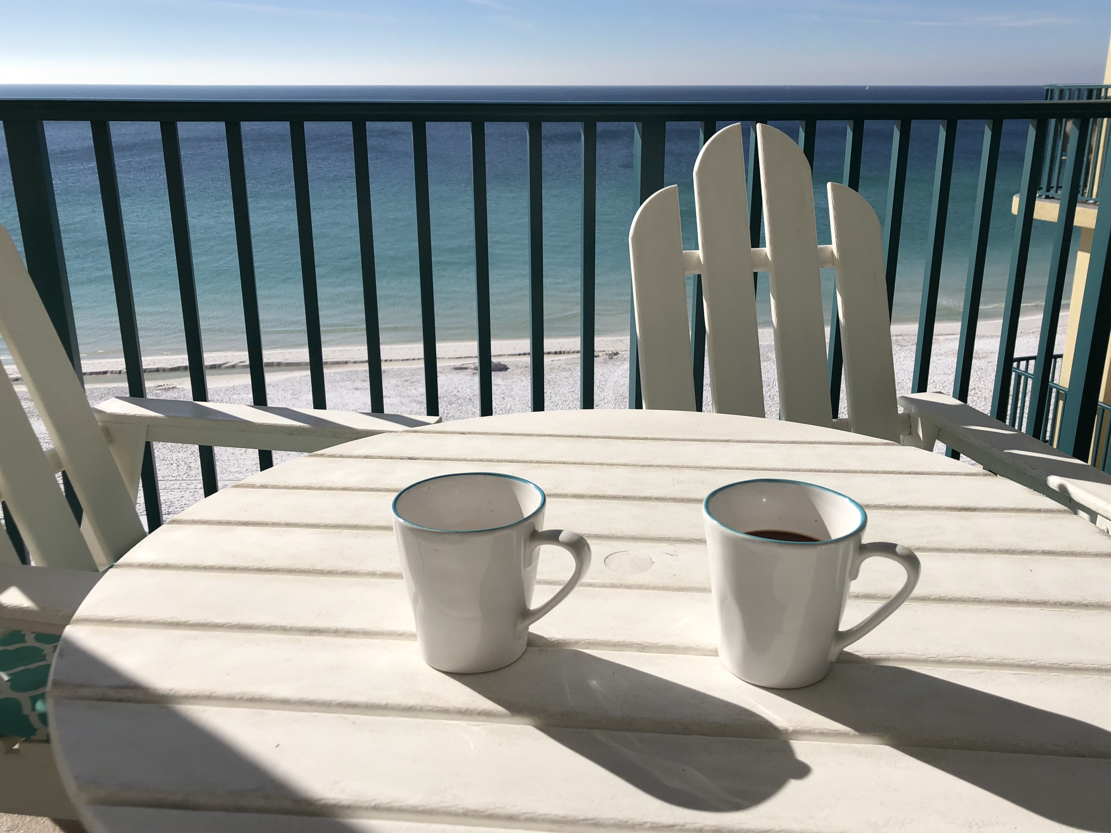 oceanfront coffee on balcony at sandnsol destin breakfast jade east