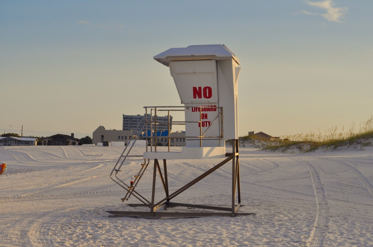 lifeguard stand destin dunes