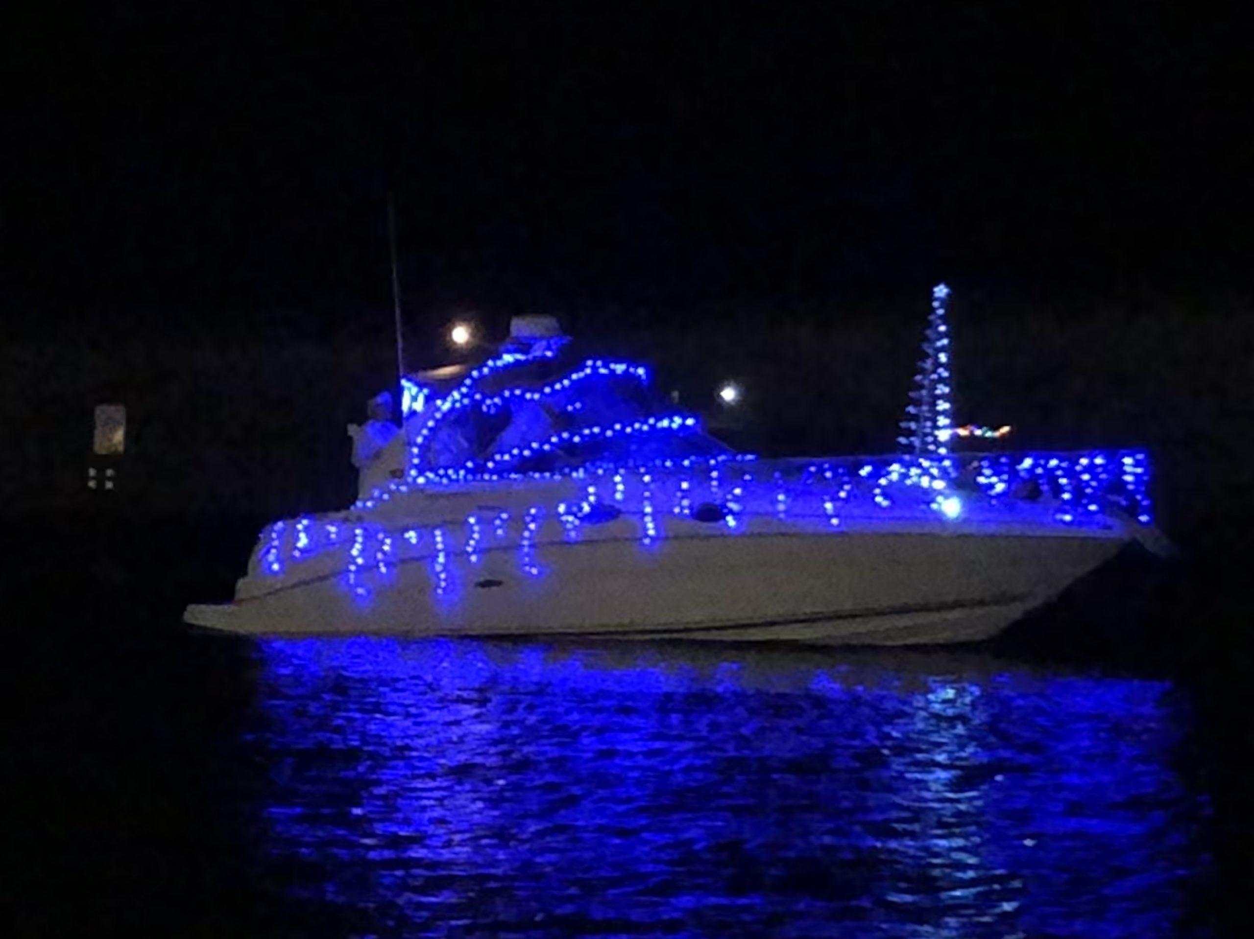 Destin boat parade blue lights